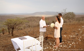 Vows on top of the Rolling Hills of Zululand